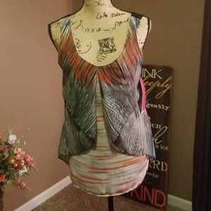 NWT Sunny Leigh tank top size small